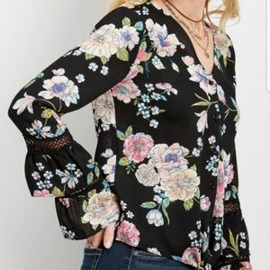 NWT Maurices Floral Button Down Bell Sleeve Top XL